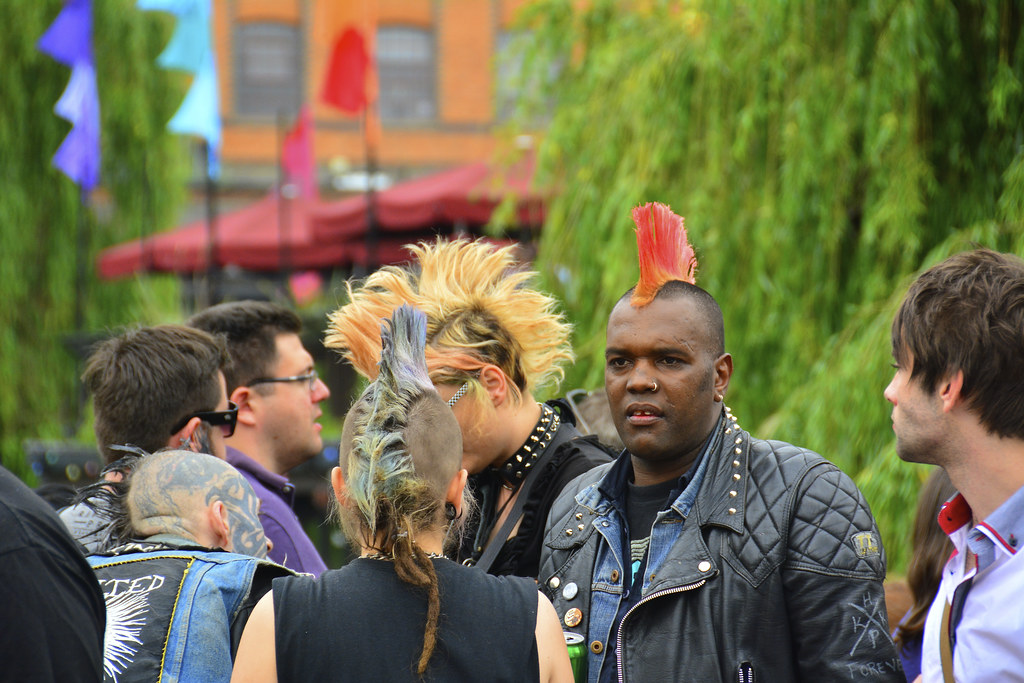 Punks dans le quartier de Camden Town à Londres - Photo de Martin Pettitt @ Flickr