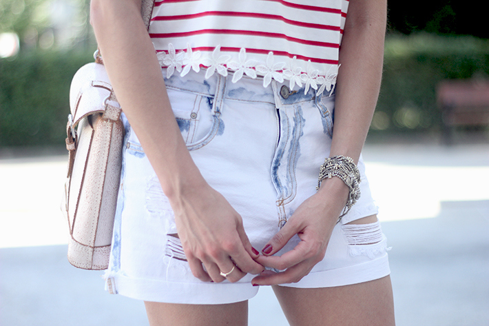 Striped T-Shirt With Denim Shorts14