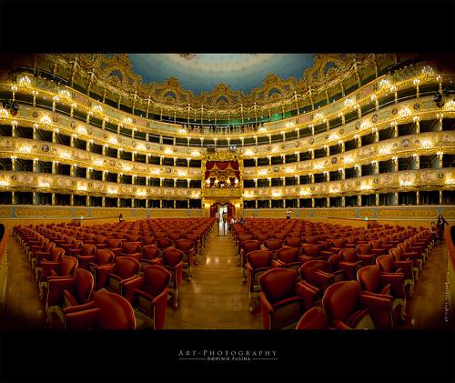 Theatre La Fenice | FUJI x-T1 + 10-20mm SIGMA EX