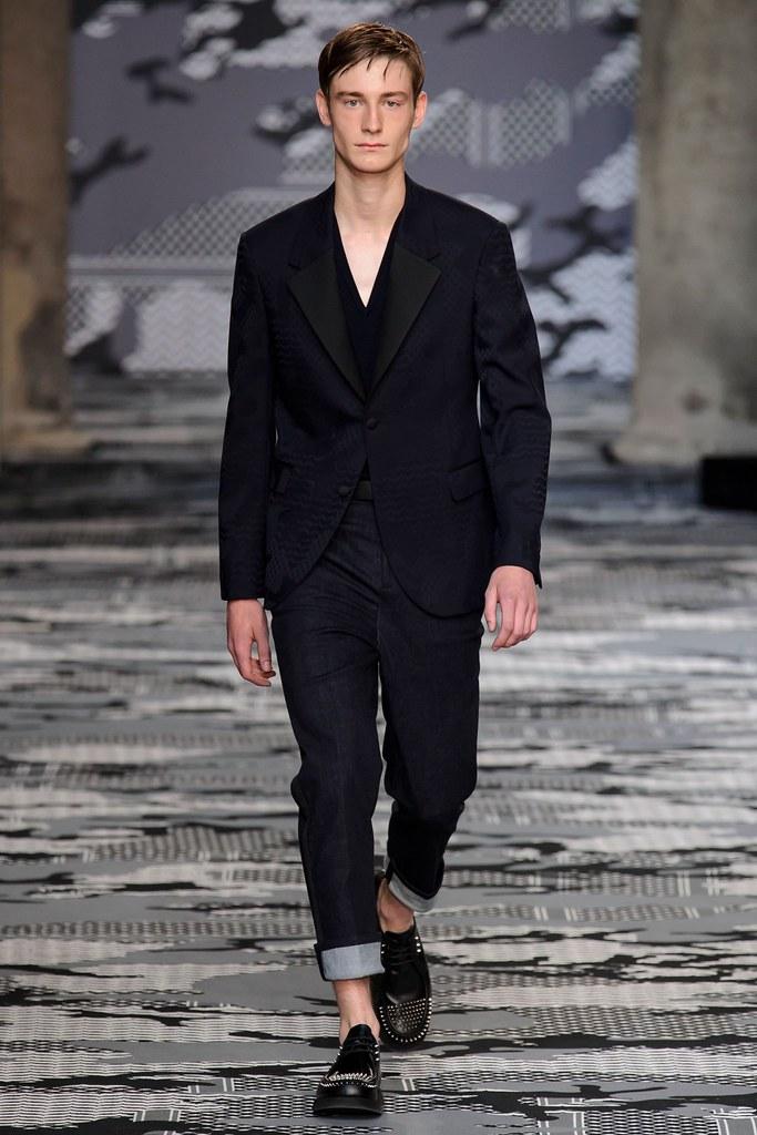 SS16 Milan Neil Barrett035_Matt Doran(fashionising.com)