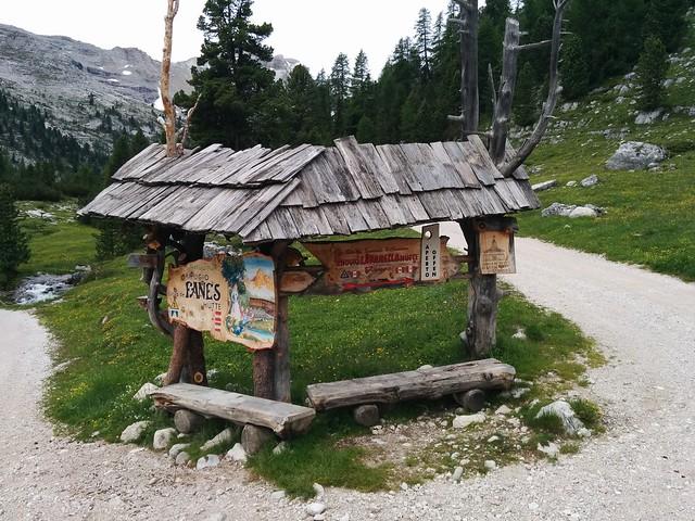 Abzweigung Fanes und Lavarella Hütte