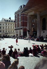 008 The Little Girl & the Man on the Unicycle (Covent Garden-Summer 2013) - IsleOfRed: In 35