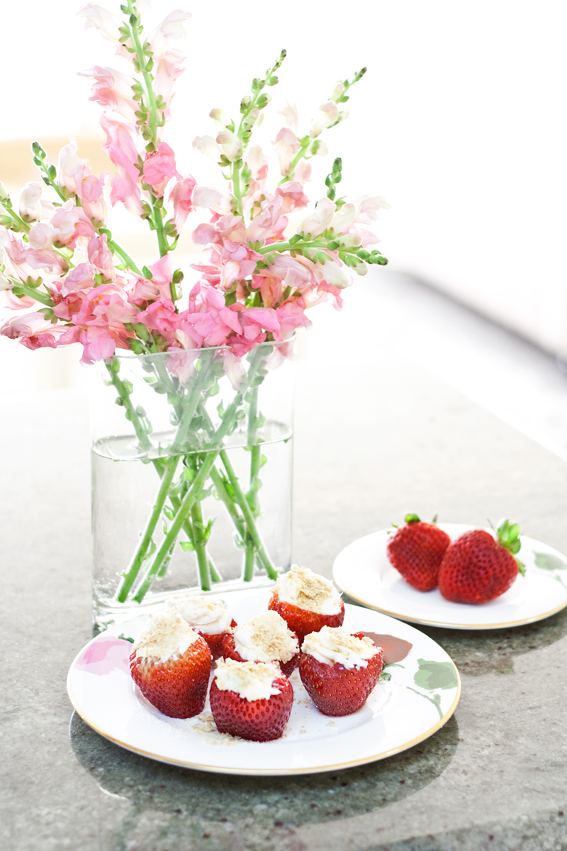 02cheesecakestrawberries