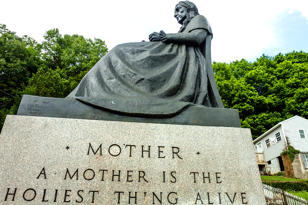 Mother monument--Ashland PA