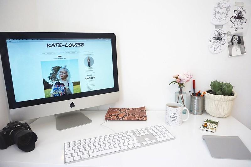 imac,desk,bloggers desk,gin,gin mug,lumix,panasonic lumix g3,cactus,
