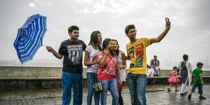 Marine Drive, places to visit in Mumbai during monsoon, Monsoon in mumbai