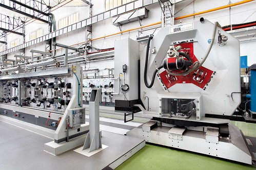 Aritex y Loxin presentan en Francia un nuevo robot antropomórfico para el ensamblaje de aeronaves