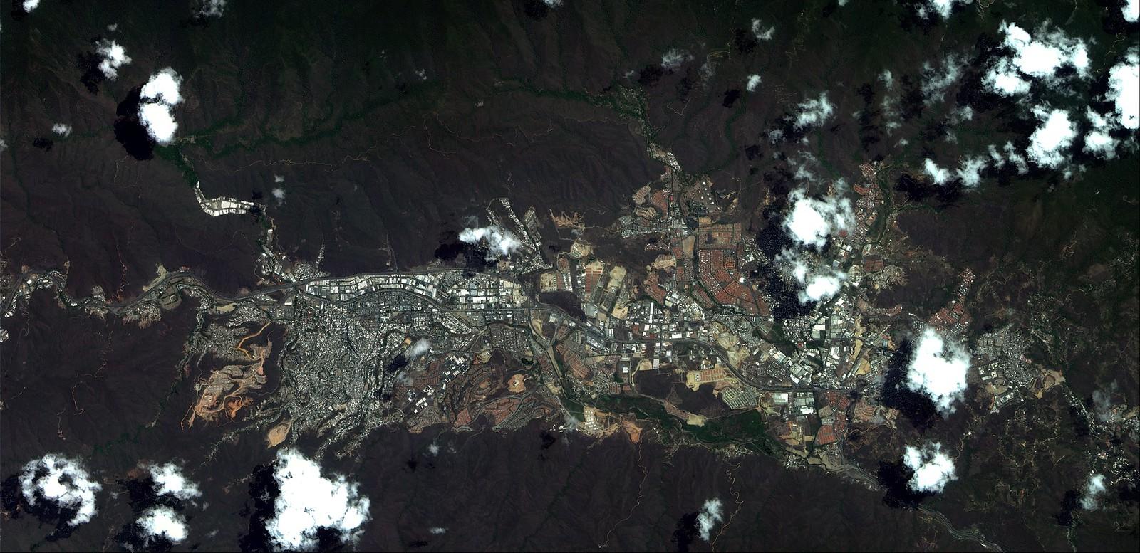 (ABAE)Agencia Bolivariana para Actividades Espaciales. 15541790131_d7445893dc_h