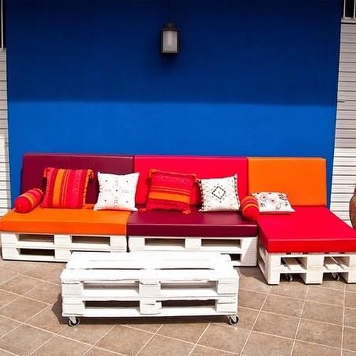 http://bit.ly/1pE1vNI | Sillones, sofá de #palet #palets #pallet #paraguay