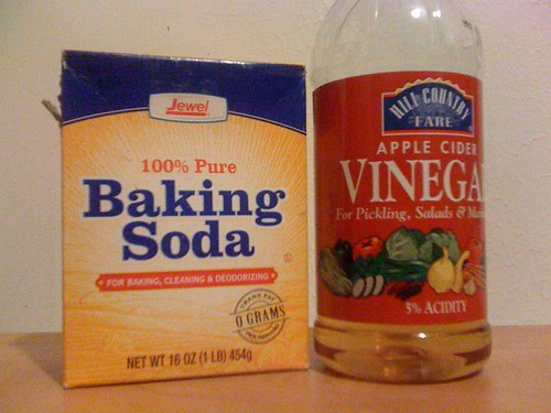 Beginning a no-shampoo experiment. Baking soda instead of shampoo, apple cider vinegar for conditioner.