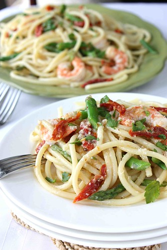 Shrimp, Sun-Dried Tomato & Asparagus Bucatini Recipe with White Wine & Garlic Sauce | by CookinCanuck