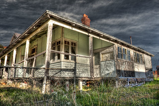 #2 - Explorations of Australian abandoned suburbs in HDR | by dfuzhion