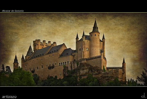 Texturized Alcazar of Segovia (Panoramic) | by Artigazo 