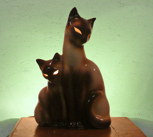 Siamese Mother Cat and Kitten TV Lamp-Night Light | by Lise Vintage Lighting