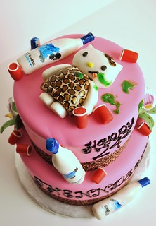 Drunk Hello Kitty Cake | by thecakemamas