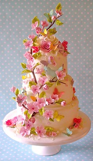 Summer blossom wedding cake | by nice icing