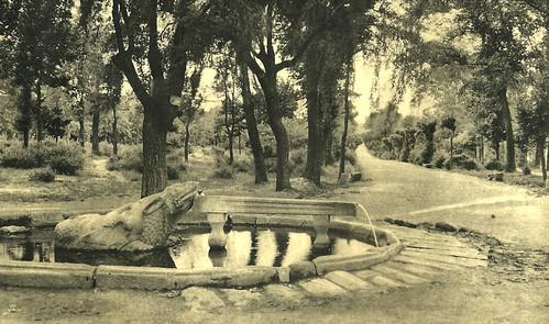Ávila. Fuente de la Sierpe. Jardín de San Antonio.