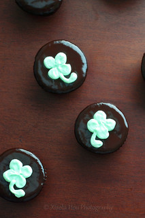 Thin Mint Shamrock Cupcakes | by Xiaolu // 6 Bittersweets