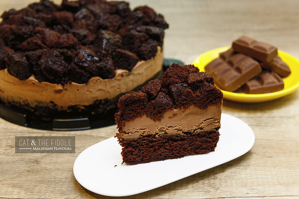 Cat & The Fiddle chocolate cheesecake