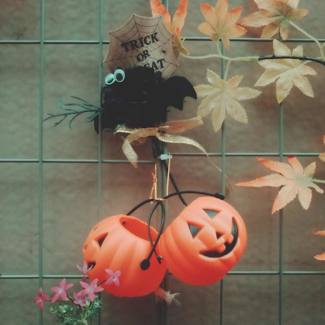 Plastic pumpkin buckets