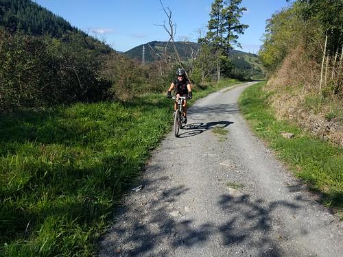 Domingo en bicicleta de monte: Elgoibar-Bergara-Antzuola-Gorla-Irukurutzeta-Karakate-Elgoibar