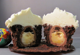 Inside of Creme Egg Cupcake | by zoeycakes