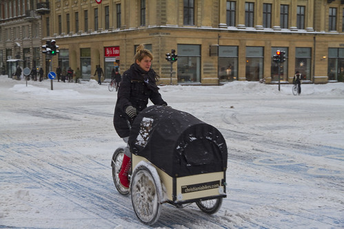 Winter Traffic Copenhagen Cargo Bike - Winter Cycling in Copenhagen | by Mikael Colville-Andersen
