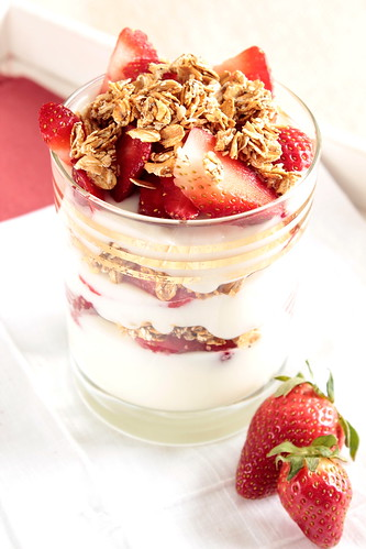 Strawberry Toasted Oat Yogurt Parfait | by pastryaffair
