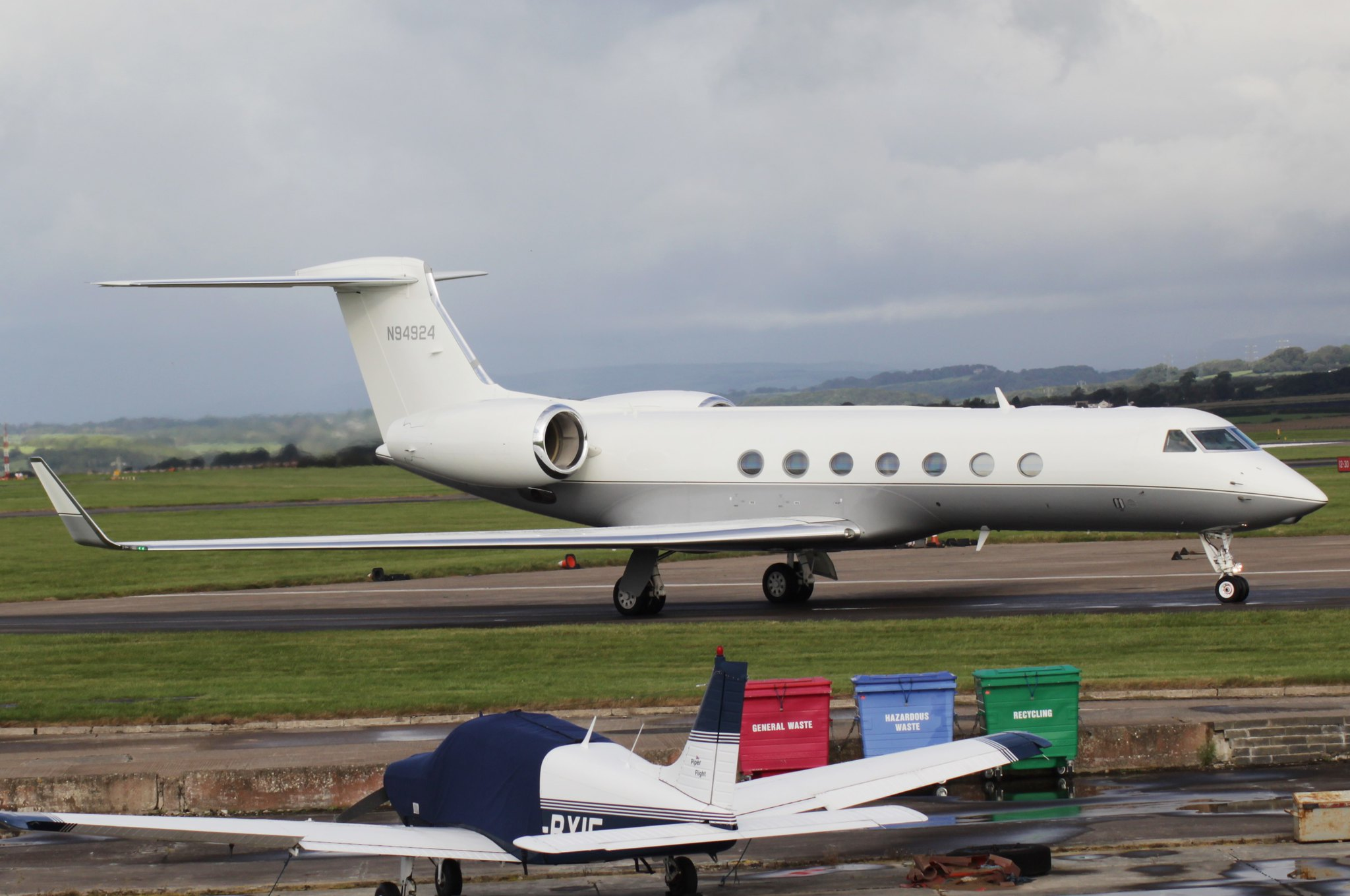 Gulfstream G550 N94924 01OCT16
