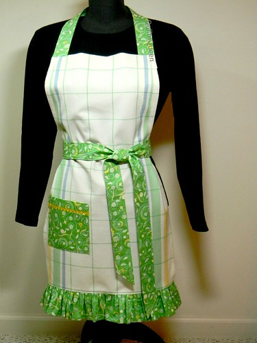 Finished apron | by quiltn queen