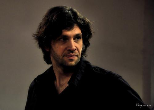 """Ernesto Morales,""""poeta del color, barquero de los sueños"""" (poeta dei colori, traghettatore di sogni)"""