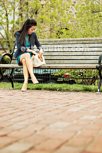 BlueGreen2_bench | by ExtraPetite.com