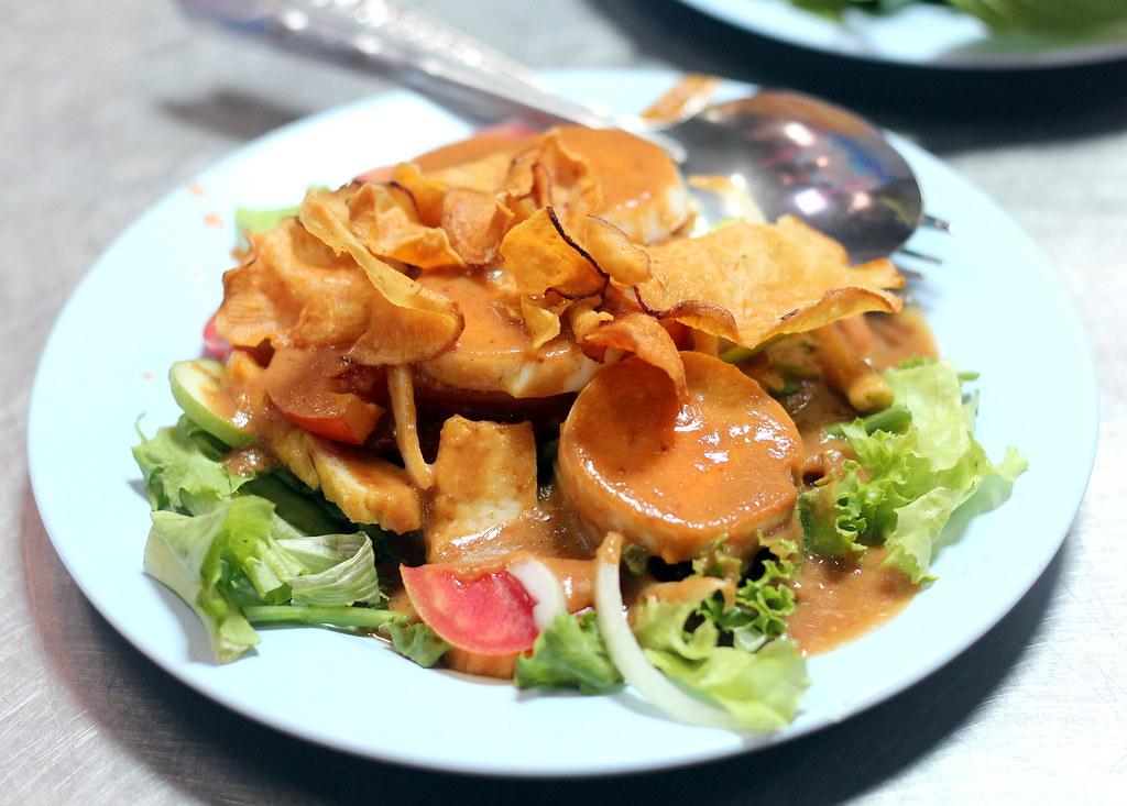 aeisah-rotdee-food