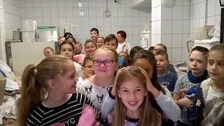2016.09.23. 4.b üzemlátogatáson a pékségben
