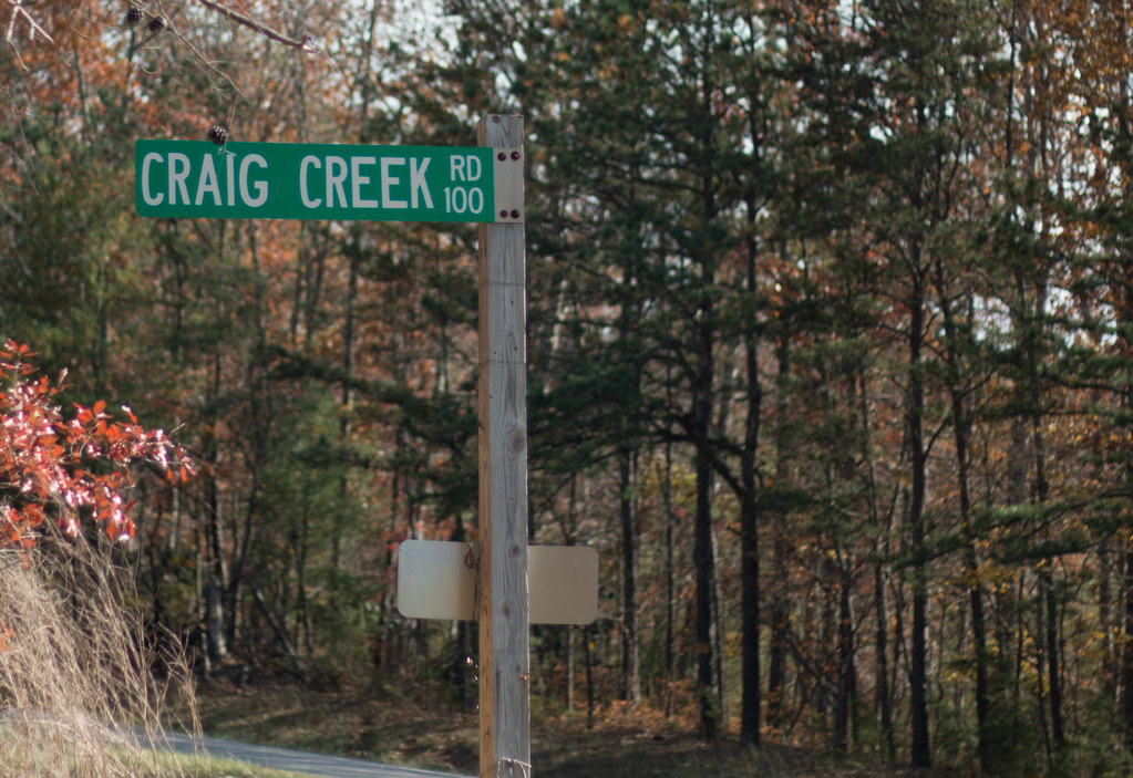 A photo of the Craig Creek street sign.