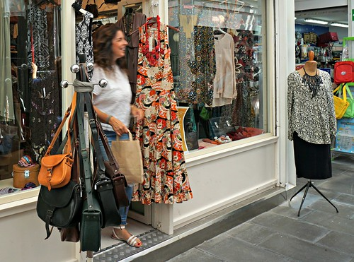 Ulos vintage-kaupasta