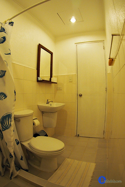sun villa beachfront bathrooms