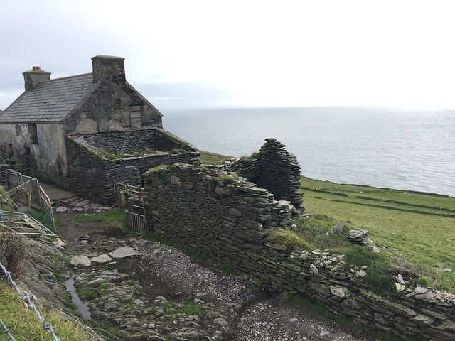 <Dursey island>