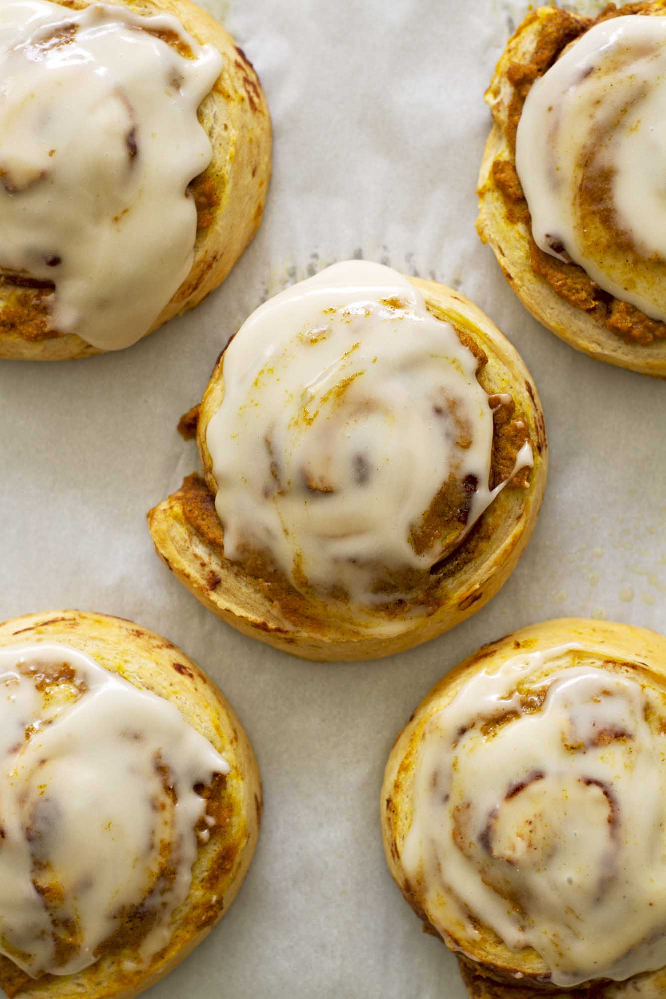 Brown Butter Pumpkin Cinnamon Rolls | girlversusdough.com @girlversusdough