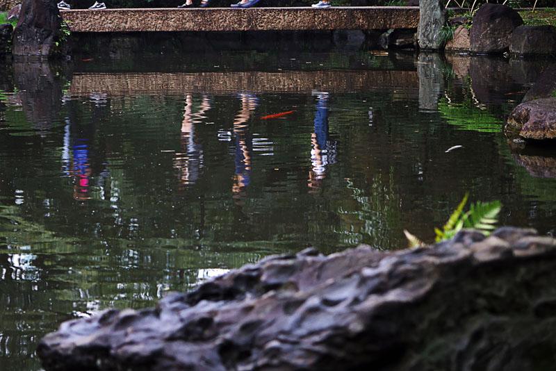 靖国神社の御霊祭り 日本庭園