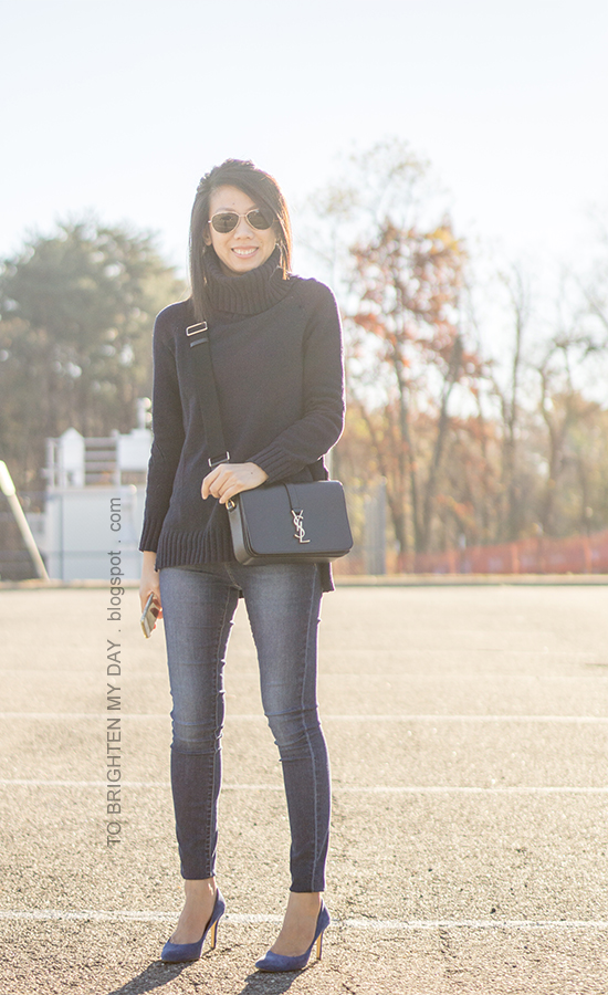 navy turtleneck tunic sweater, black crossbody bag, skinny jeans, blue suede pumps