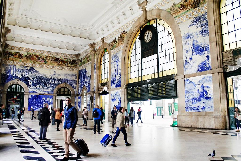 Roteiro do Porto: da Baixa Portuense ao Centro Histórico - Estação de S. Bento