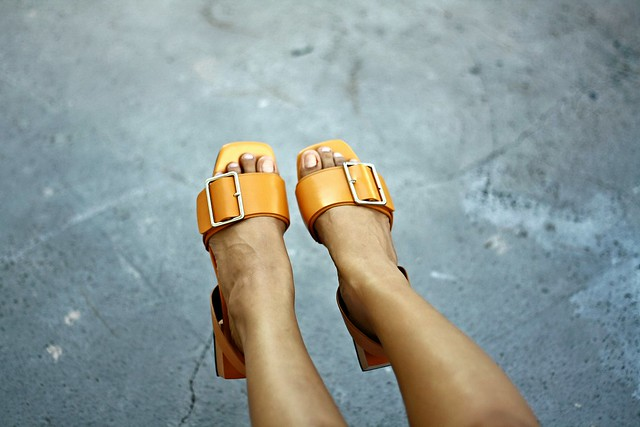 chunky heel sandals, sandals, brown sandals, buckle sandals