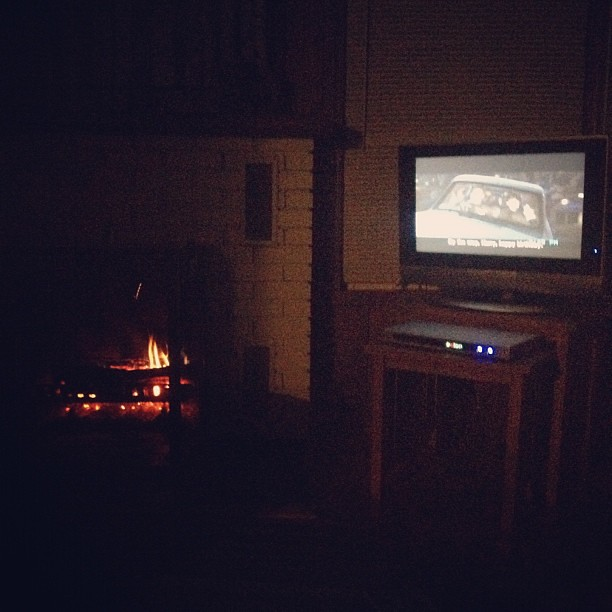 Harry Potter & a fire. Seems to be the theme of the day :) Loving it! #thelake #rychfamatthelake