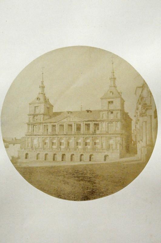Ayuntamiento de Toledo en 1852. Fotografía de Felix Alexander Oppenheim © Museum für Islamische Kunst, Staatliche Museen zu Berlin