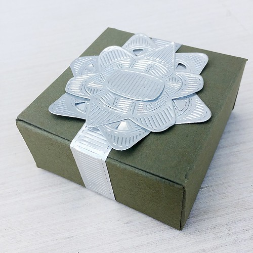 Vintage Favor Box and Layered Gift Bow Dies by Papertrey Ink