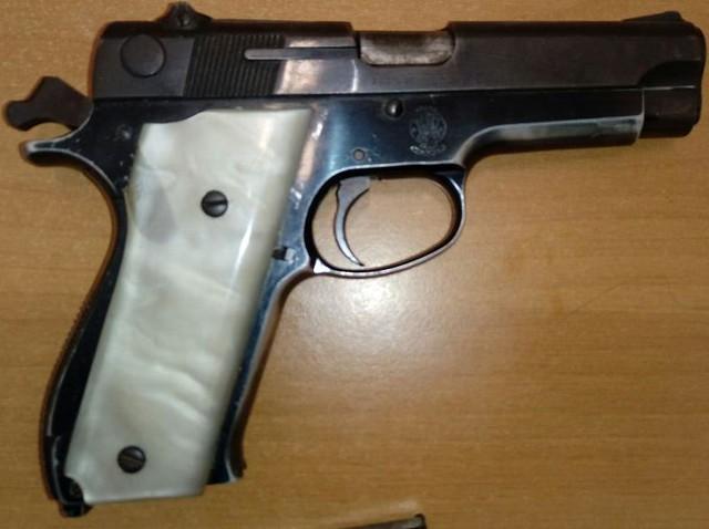 pistola decomisada