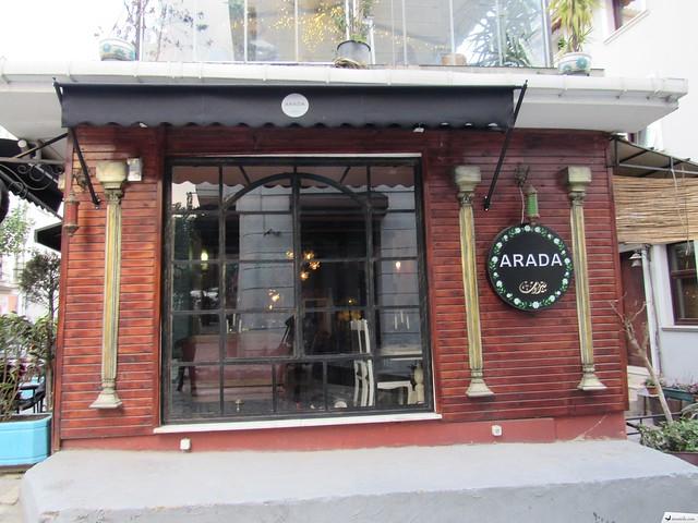 Arada Kafe Galata - Arada Cafe Galata