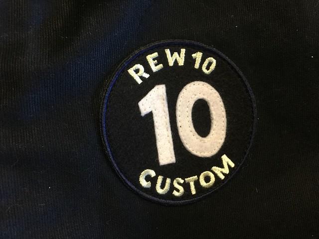 REW10 Emblem