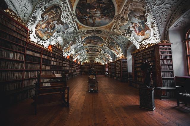 books-1842306_640